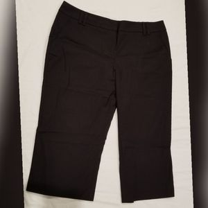 New york Black streach Capris